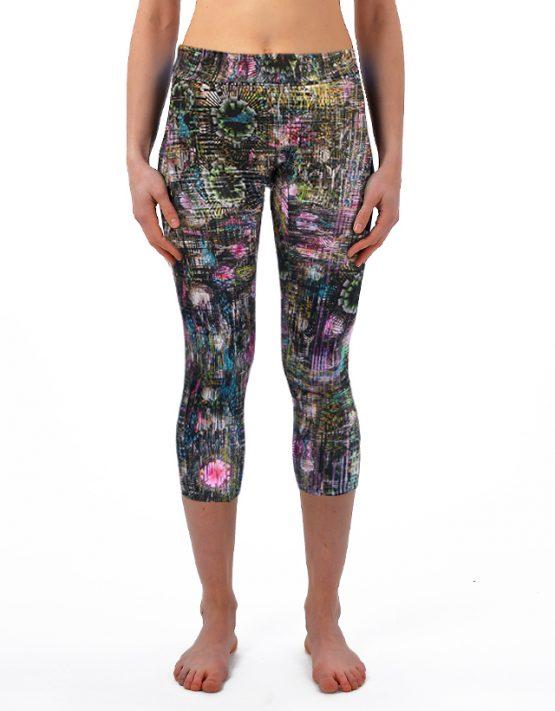 Three quarter length leggings
